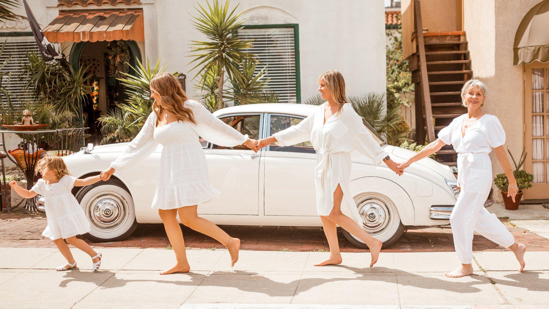women running together